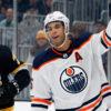 Oilers Värvar Försvararen Darnell Nurse Med en åttaårig Kontraktsförlängning